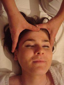 Photo de massage Ayurveda de la tête
